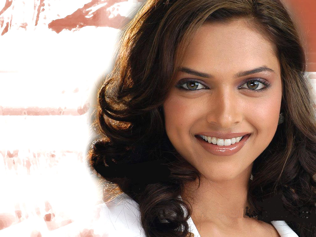 deepika-padukone-smiling-face-wallpaper